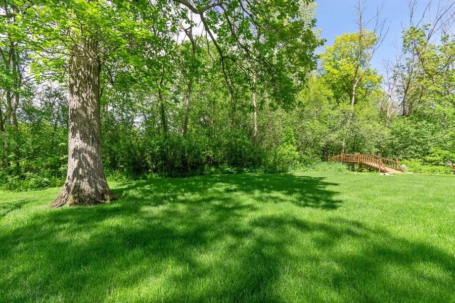Real Estate Photography - 980 Oak Spring Ln, Libertyville, IL, 60048 - Back Yard