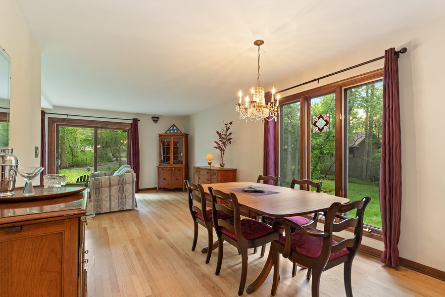 Real Estate Photography - 980 Oak Spring Ln, Libertyville, IL, 60048 - Dining Room