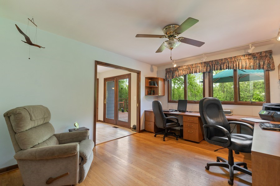 Real Estate Photography - 980 Oak Spring Ln, Libertyville, IL, 60048 - Office