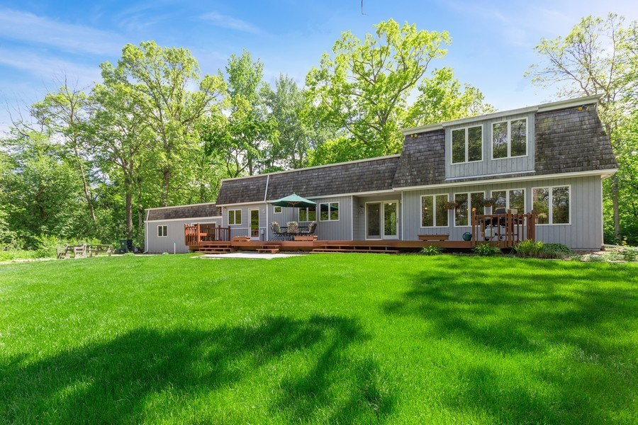 Real Estate Photography - 980 Oak Spring Ln, Libertyville, IL, 60048 - Rear View