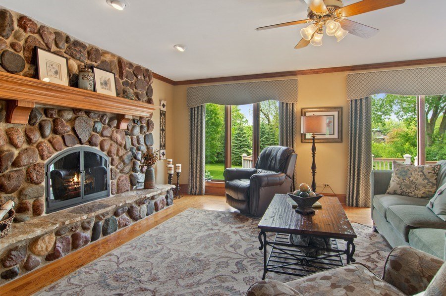 Real Estate Photography - 145 Cloverhill Lane, North Barrington, IL, 60010 - Family Room