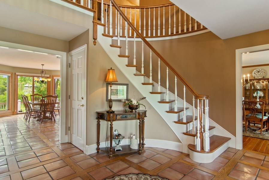 Real Estate Photography - 145 Cloverhill Lane, North Barrington, IL, 60010 - Foyer