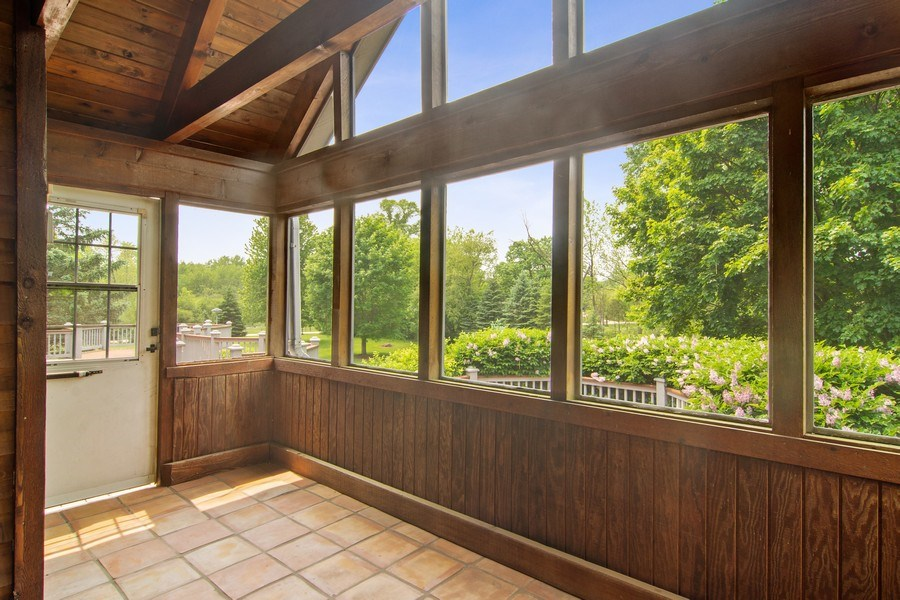 Real Estate Photography - 145 Cloverhill Lane, North Barrington, IL, 60010 - Sun Room