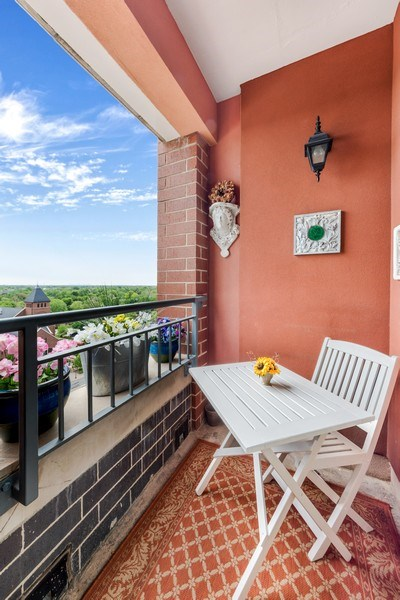 Real Estate Photography - 77 S Evergreen Ave, #1201, Arlington Heights, IL, 60005 - Balcony
