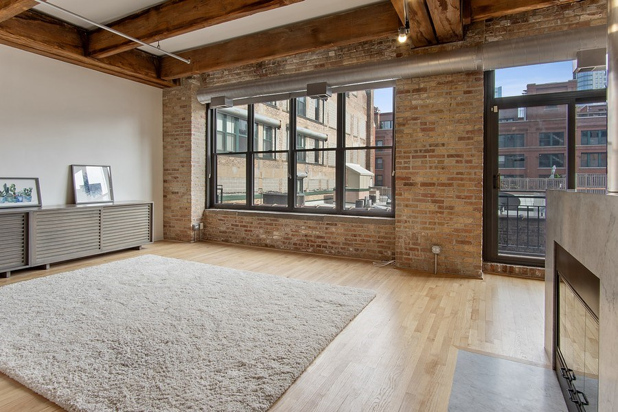 Real Estate Photography - 375 W Erie #524, Chicago, IL, 60657 - Living Room