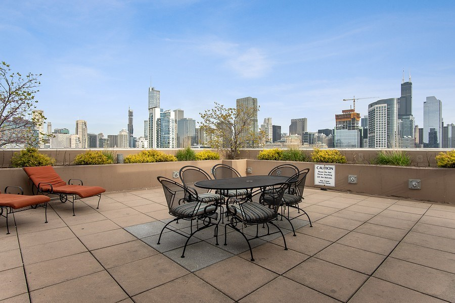 Real Estate Photography - 375 W Erie #524, Chicago, IL, 60657 - Roof Deck
