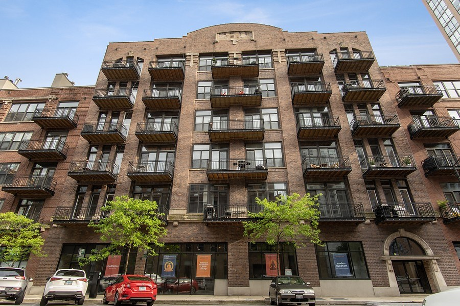 Real Estate Photography - 375 W Erie #524, Chicago, IL, 60657 - Front View