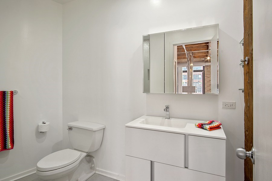Real Estate Photography - 375 W Erie #524, Chicago, IL, 60657 - Bathroom