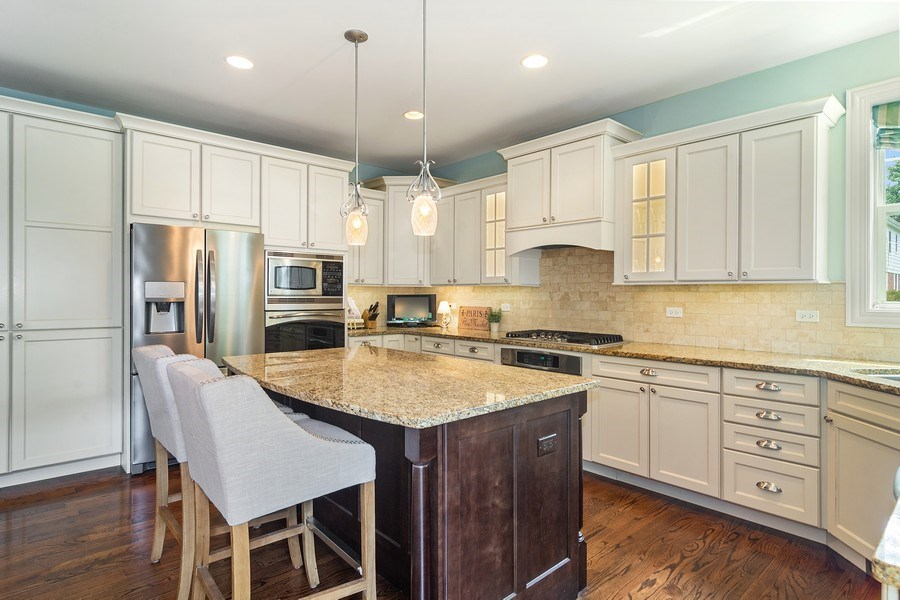 Real Estate Photography - 15 E Willow, Arlington Heights, IL, 60004 - Kitchen