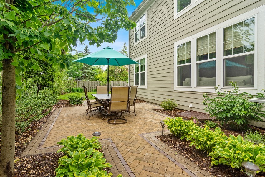 Real Estate Photography - 15 E Willow, Arlington Heights, IL, 60004 - Side View
