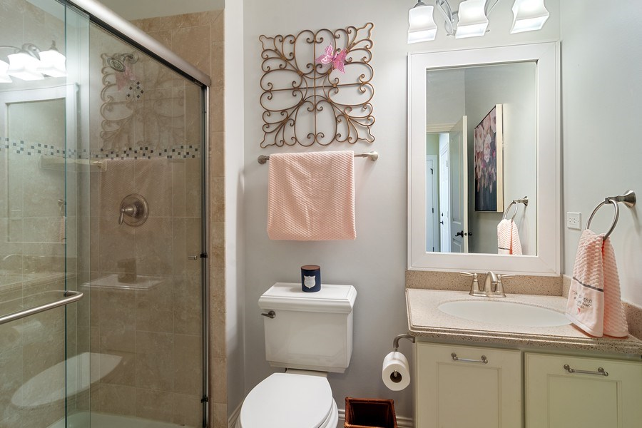Real Estate Photography - 15 E Willow, Arlington Heights, IL, 60004 - 1st Floor Full Bathroom