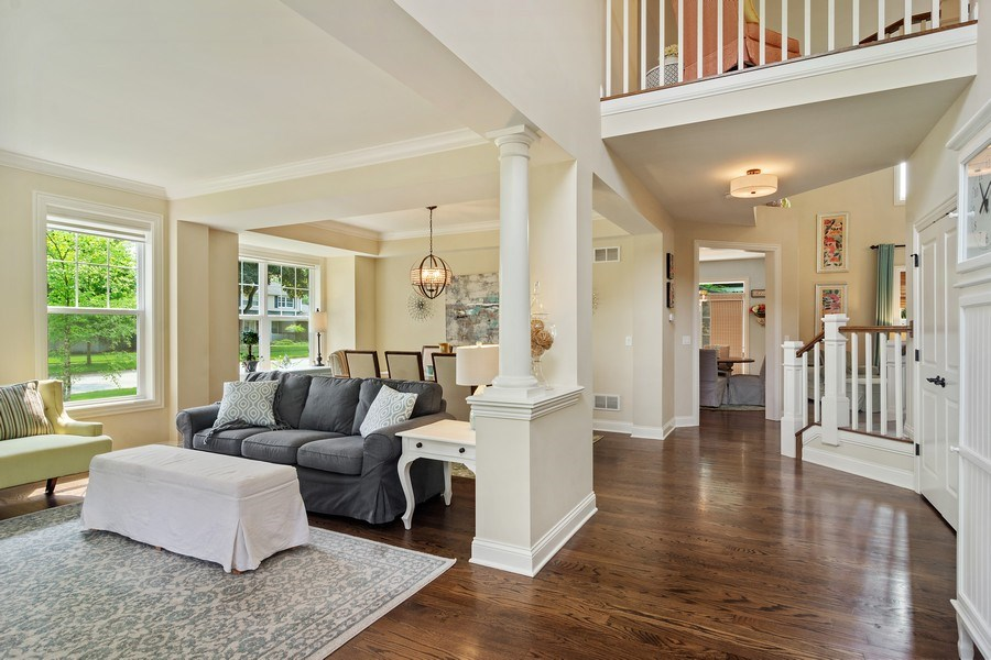Real Estate Photography - 15 E Willow, Arlington Heights, IL, 60004 - Entryway