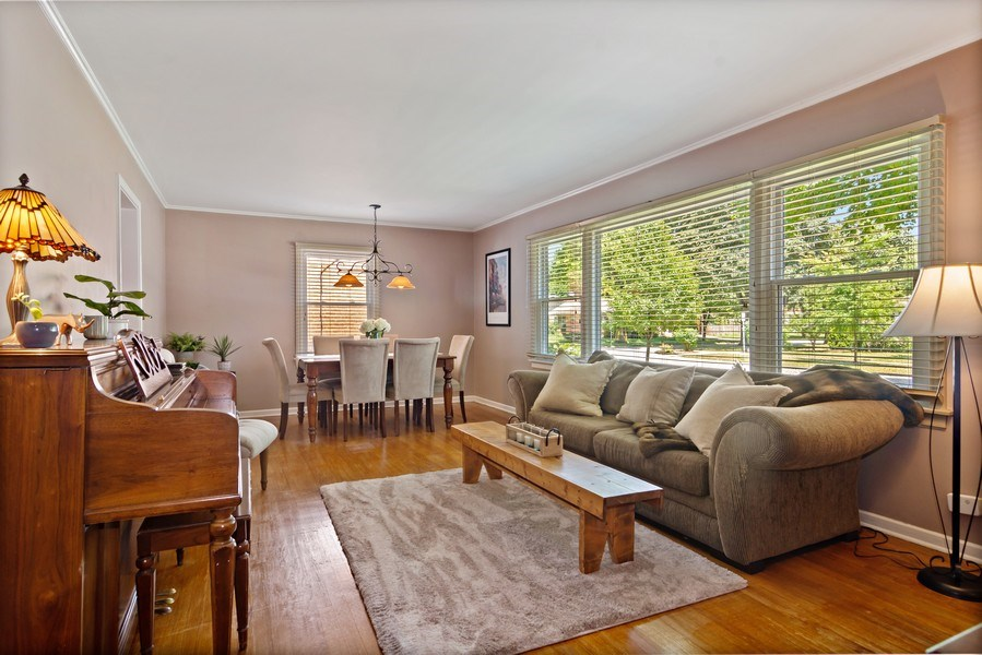Real Estate Photography - 824 N Yale Ave, Arlington Heights, IL, 60004 - Living Room