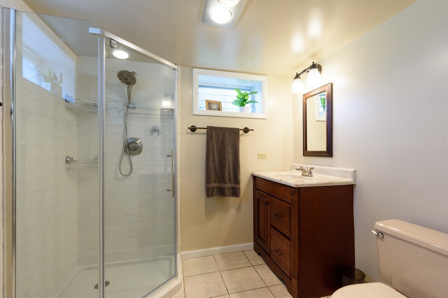 Real Estate Photography - 824 N Yale Ave, Arlington Heights, IL, 60004 - 2nd Bathroom