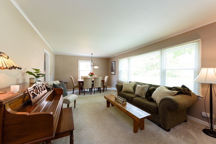 Real Estate Photography - 824 N Yale Ave, Arlington Heights, IL, 60004 - Living Room / Dining Room