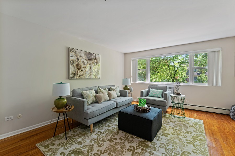 Real Estate Photography - 1930 W. Estes, #302, Chicago, IL, 60626 - Living Room