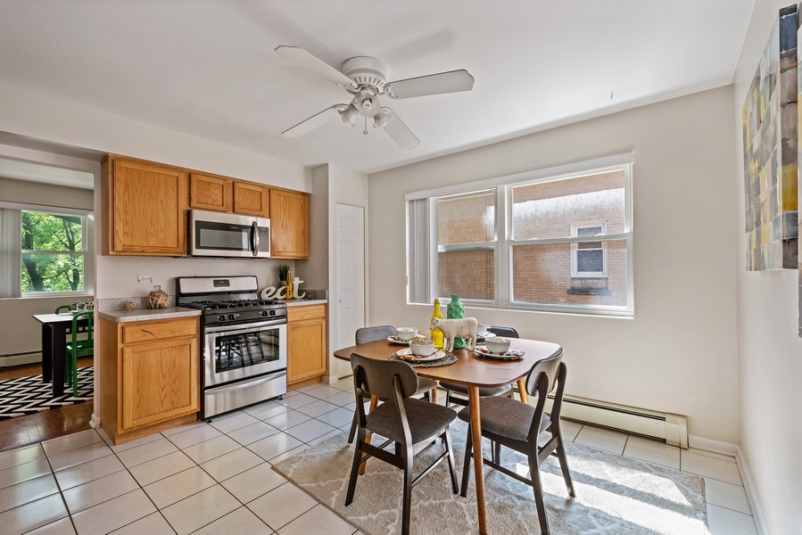 Real Estate Photography - 1930 W. Estes, #302, Chicago, IL, 60626 - Kitchen