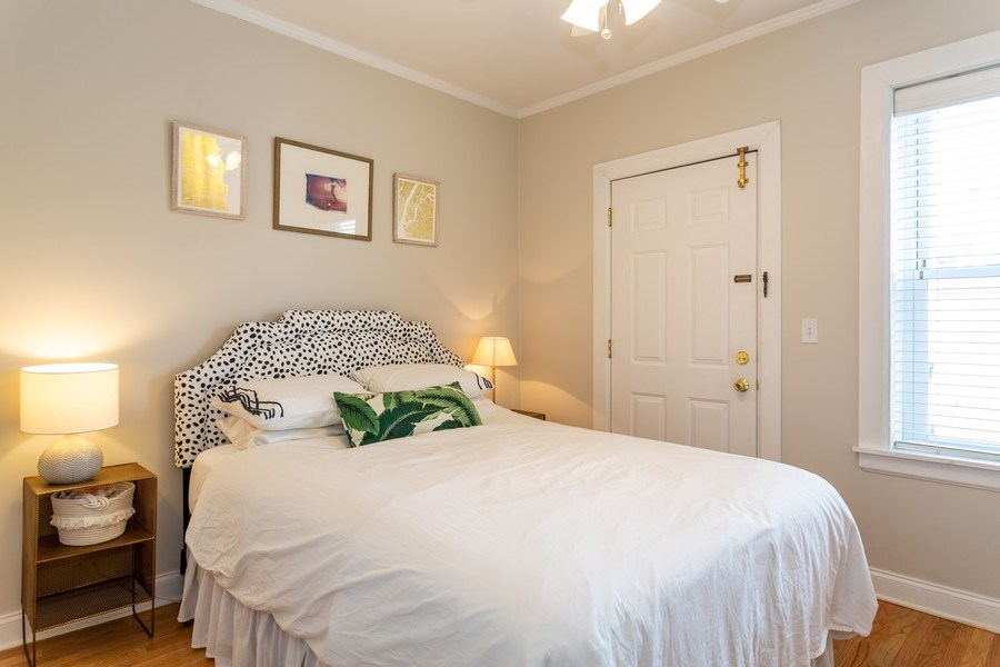 Real Estate Photography - 2241 1/2 Lincoln Ave, 3B, Chicago, IL, 60614 - Bedroom