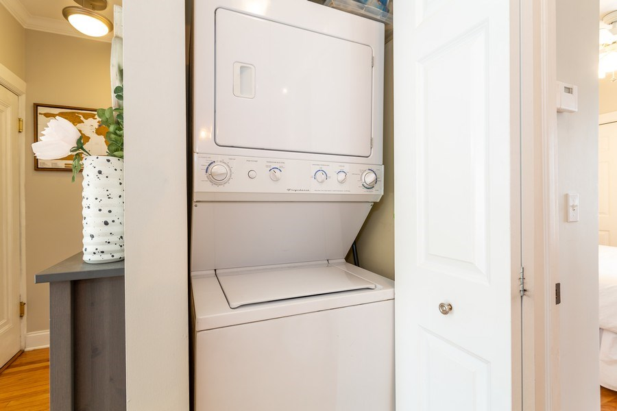 Real Estate Photography - 2241 1/2 Lincoln Ave, 3B, Chicago, IL, 60614 - Laundry Room