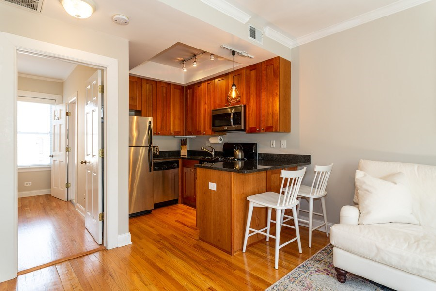 Real Estate Photography - 2241 1/2 Lincoln Ave, 3B, Chicago, IL, 60614 - Kitchen