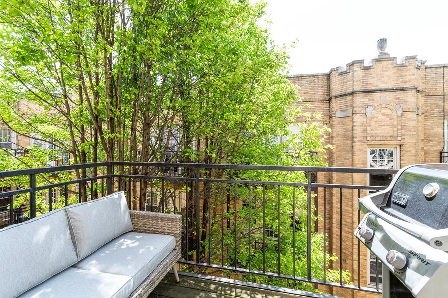 Real Estate Photography - 2241 1/2 Lincoln Ave, 3B, Chicago, IL, 60614 - Balcony