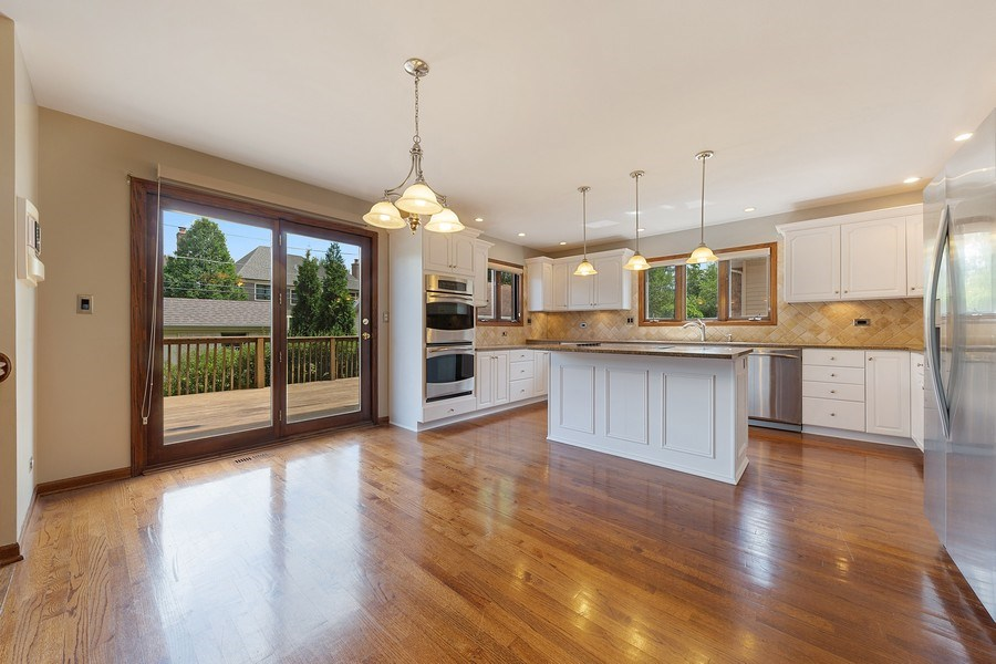Real Estate Photography - 785 S Fairfield, Elmhurst, IL, 60126 - Kitchen