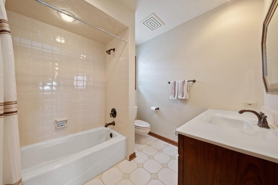 Real Estate Photography - 785 S Fairfield, Elmhurst, IL, 60126 - Bathroom