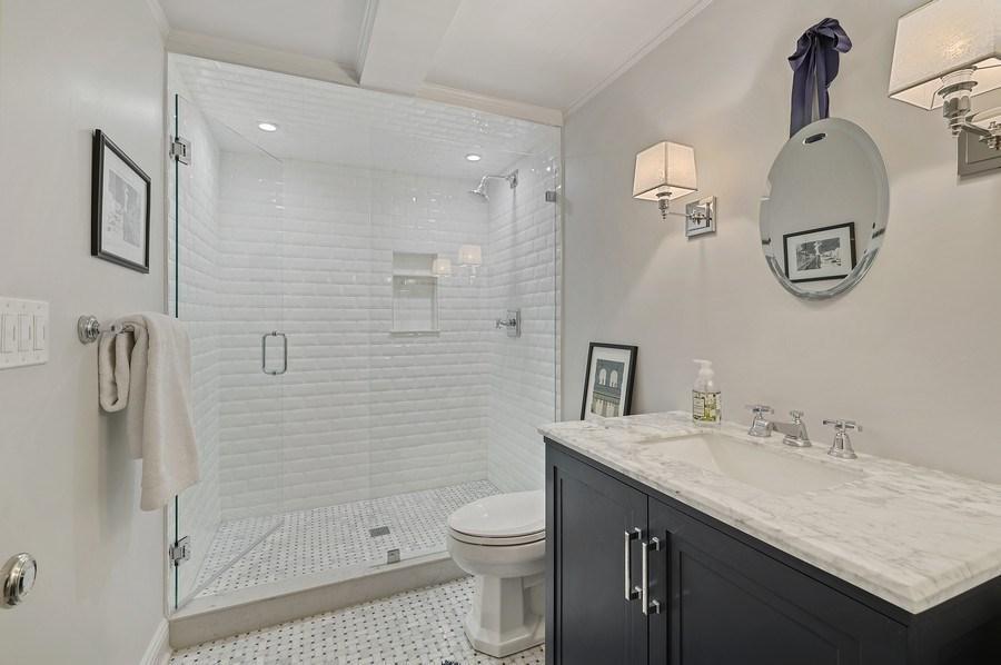 Real Estate Photography - 90 Indian Hill Road, Winnetka, IL, 60093 - 5th Bathroom