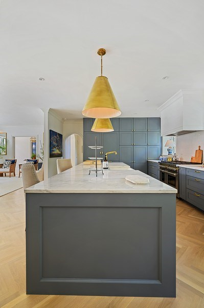 Real Estate Photography - 90 Indian Hill Road, Winnetka, IL, 60093 - Kitchen
