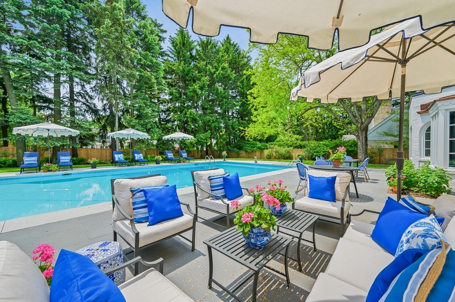 Real Estate Photography - 90 Indian Hill Road, Winnetka, IL, 60093 - Pool