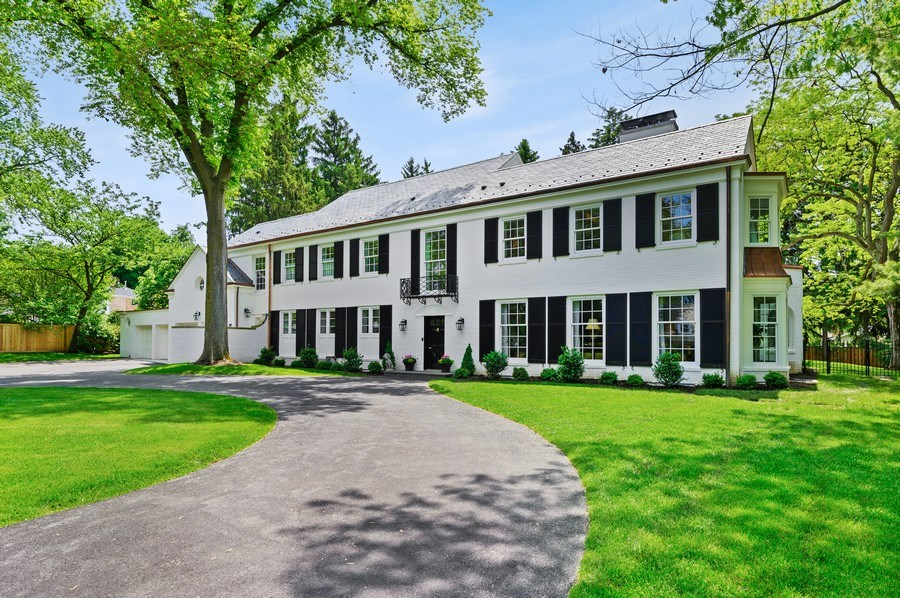 Real Estate Photography - 90 Indian Hill Road, Winnetka, IL, 60093 - Front View