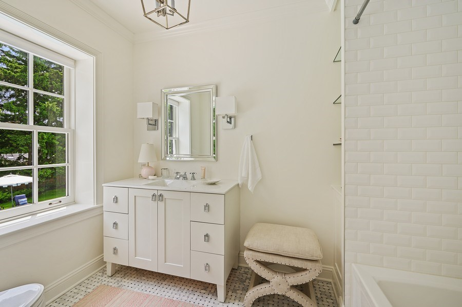 Real Estate Photography - 90 Indian Hill Road, Winnetka, IL, 60093 - 2nd Bathroom