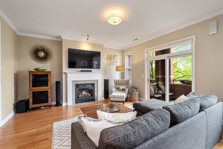 Real Estate Photography - 4721 N. Clark St, #2N, Chicago, IL, 60640 - Living Room