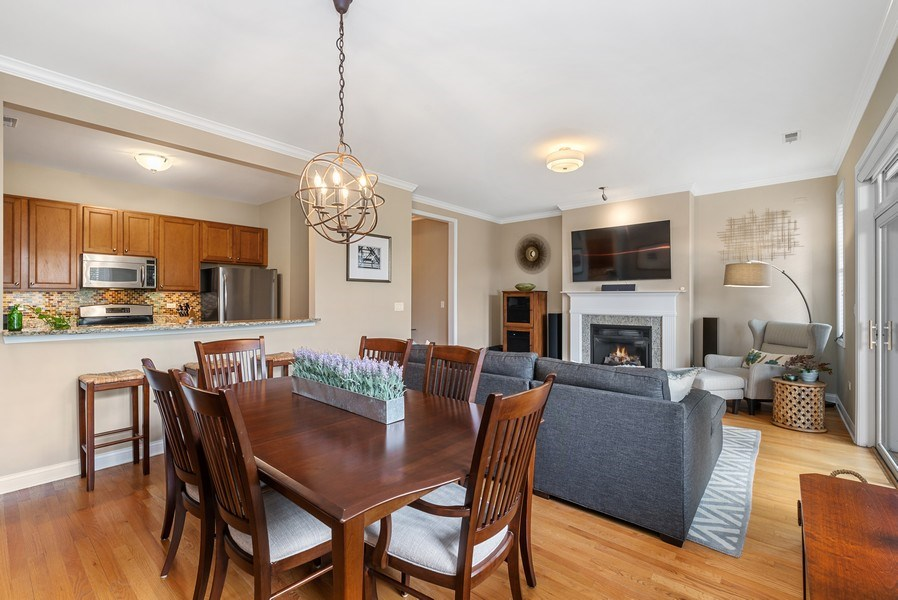 Real Estate Photography - 4721 N. Clark St, #2N, Chicago, IL, 60640 - Great room