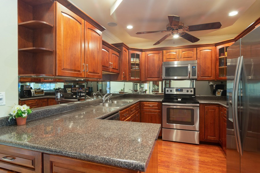 Real Estate Photography - 4155 Crimson Dr, Hoffman Estates, IL, 60192 - Kitchen