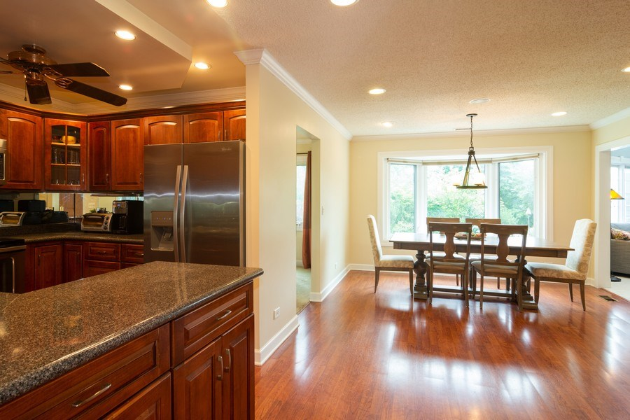 Real Estate Photography - 4155 Crimson Dr, Hoffman Estates, IL, 60192 - Kitchen / Breakfast Room