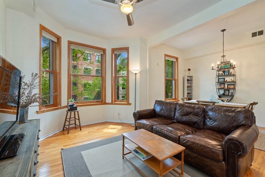 Real Estate Photography - 728 W Aldine Ave, Unit 2E, Chicago, IL, 60657 - Living Room