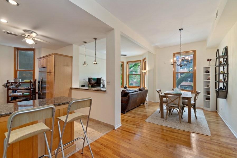 Real Estate Photography - 728 W Aldine Ave, Unit 2E, Chicago, IL, 60657 - Great room