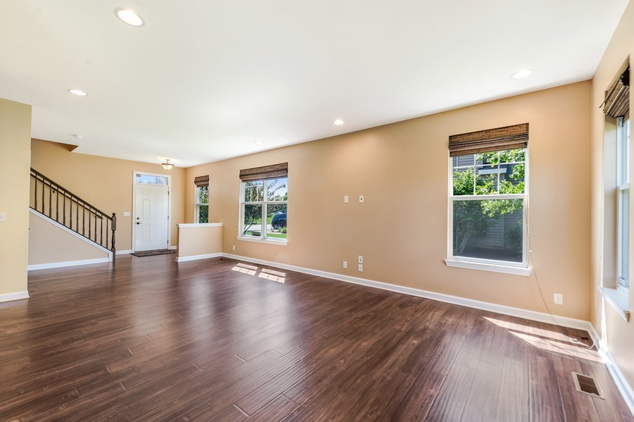 Real Estate Photography - 6N338 Whitmore Cir Unit A, St. Charles, IL, 60174 - Living Room