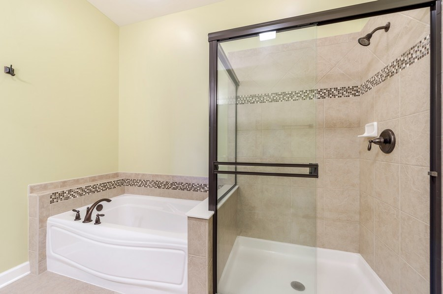 Real Estate Photography - 6N338 Whitmore Cir Unit A, St. Charles, IL, 60174 - Master Bathroom