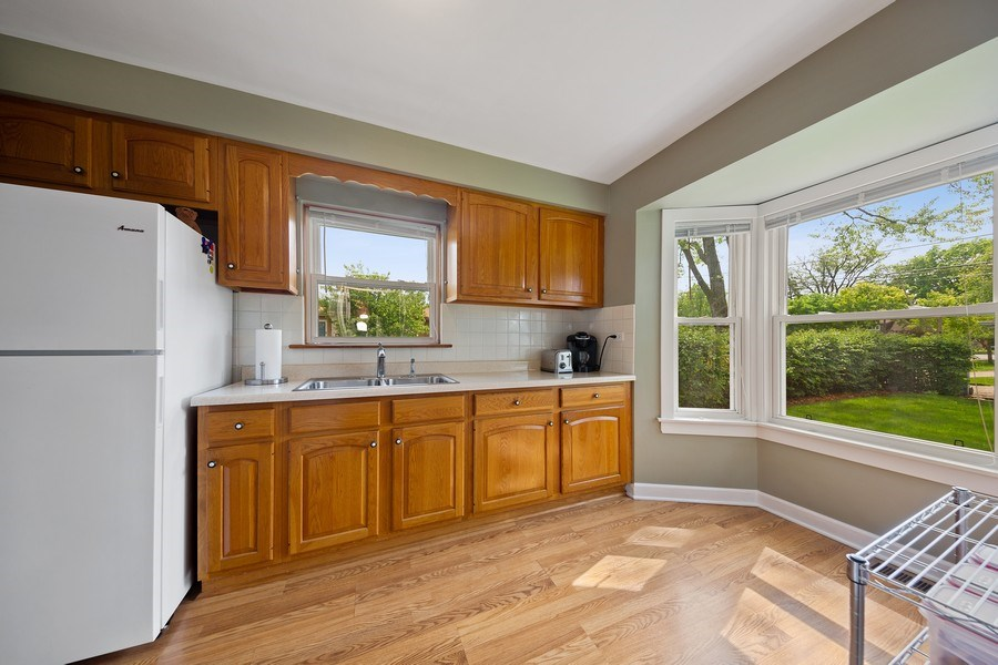 Real Estate Photography - 1502 N Maple Ave, La Grange Park, IL, 60526 - Kitchen