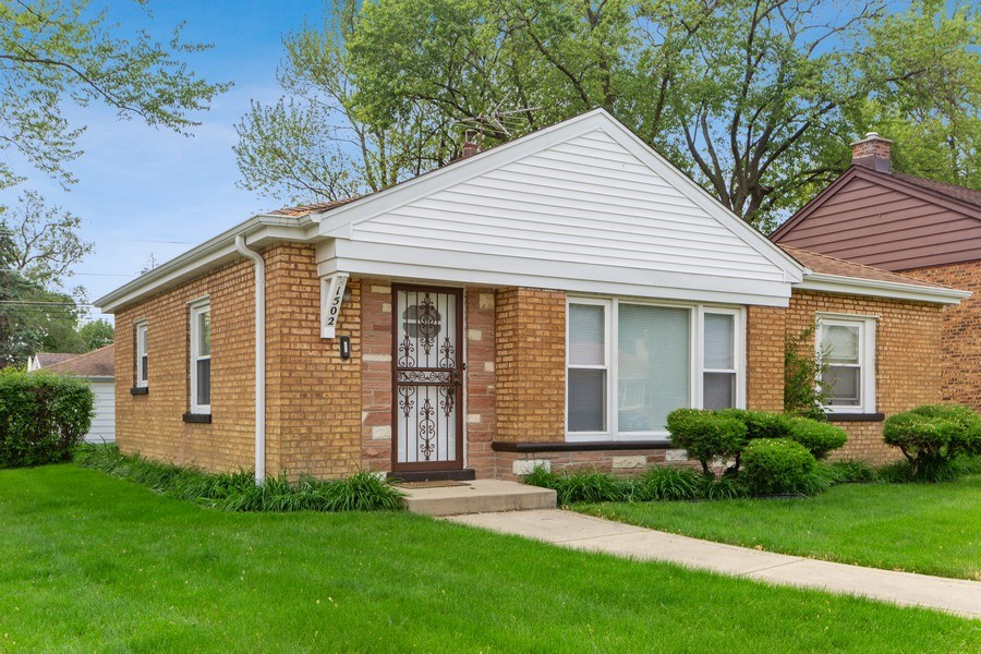 Real Estate Photography - 1502 N Maple Ave, La Grange Park, IL, 60526 - Front View