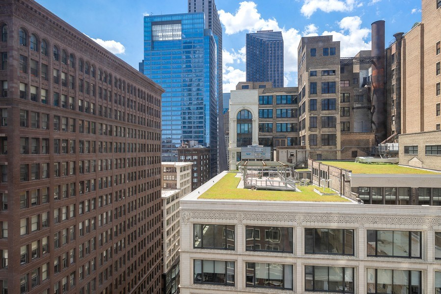 Real Estate Photography - 5 N Wabash, 1606, Chicago, IL, 60602 - View