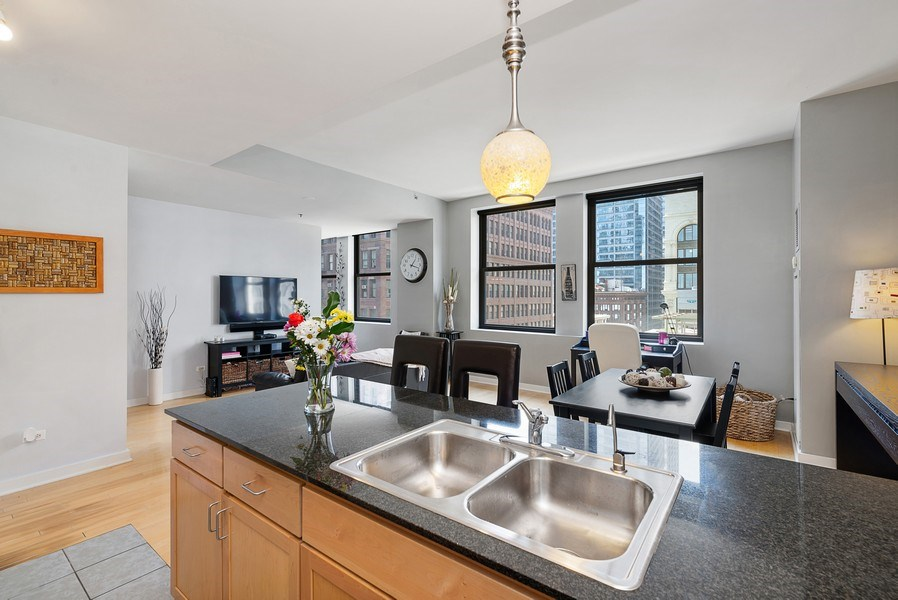 Real Estate Photography - 5 N Wabash, 1606, Chicago, IL, 60602 - Great Room