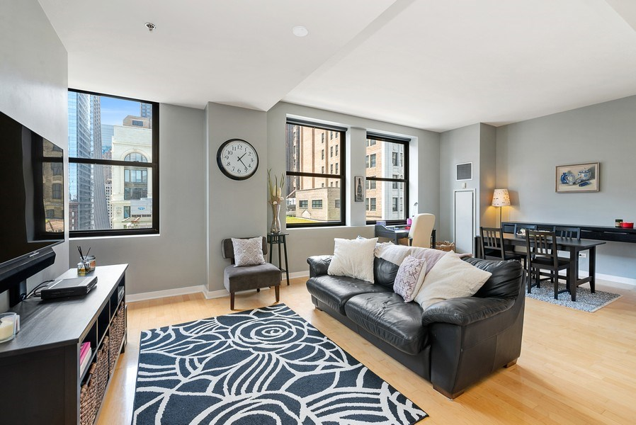 Real Estate Photography - 5 N Wabash, 1606, Chicago, IL, 60602 - Living Room/Dining Room
