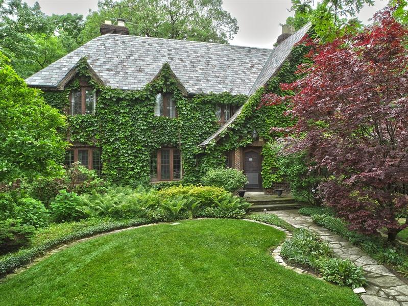 Real Estate Photography - 840 Sheridan Road, Glencoe, IL, 60015 - Aerial View