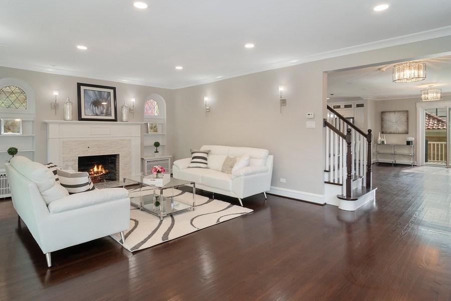 Real Estate Photography - 906 Columbian, Oak Park, IL, 60302 - Living Room