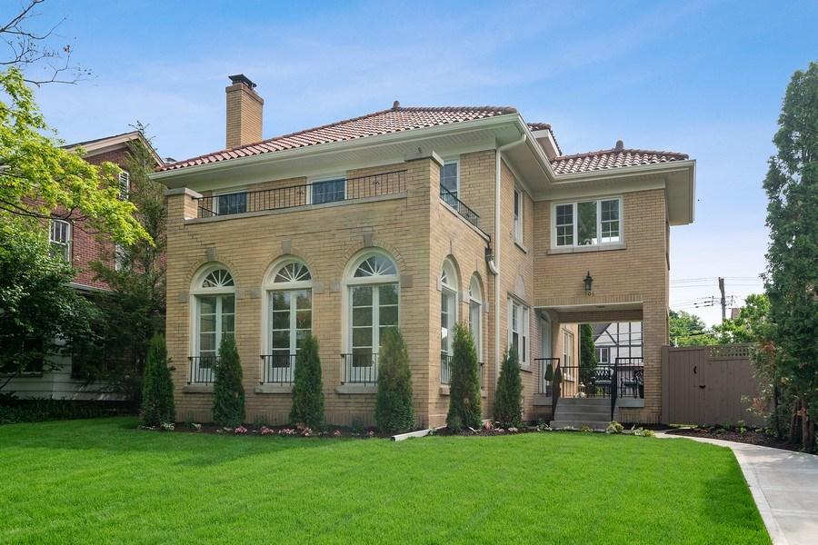Real Estate Photography - 906 Columbian, Oak Park, IL, 60302 - Front View
