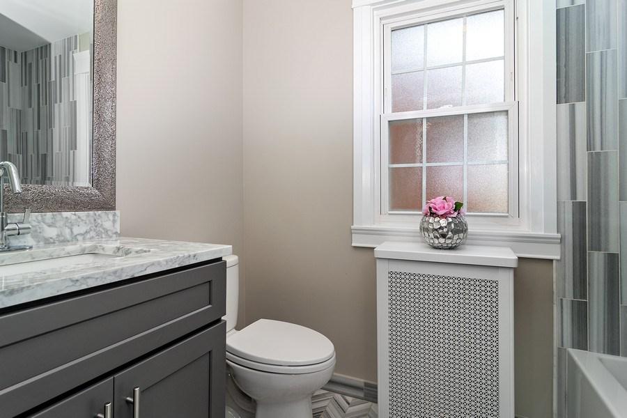 Real Estate Photography - 906 Columbian, Oak Park, IL, 60302 - Bathroom