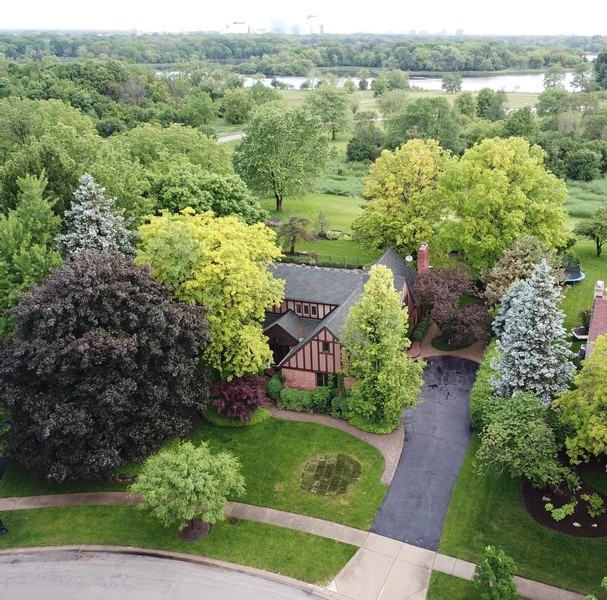 Real Estate Photography - 600 Ruskin Drive, Elk Grove, IL, 60007 -